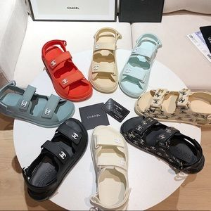 Women's chanel sandals !